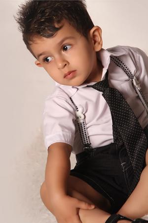 http://artin1389.persiangig.com/atoliyeartin2.jpg